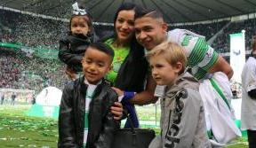 Izaguirre: Great to enjoy the moment with family and fans