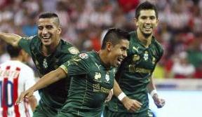 Santos Laguna dominate first leg of the final with a 5-0 win