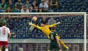 Craig Gordon: Teamwork can be the key to success over Salzburg