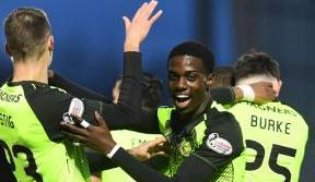 Celts maintain league lead with convincing win at St Mirren