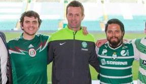 Santos Laguna fans cement special relationship on visit to Paradise